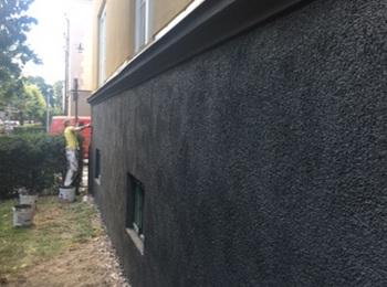 4. Fasad grund malning - Moberg Maleri och Fasadputs AB